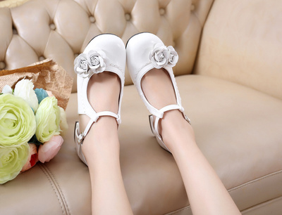 taobao agent Lolita retro double rose sweet daily student thick heel cute round head female sandals