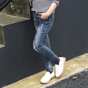 宅时尚2017春装新款牛仔裤 韩版修身骷髅贴标裤子 中大女童裤
