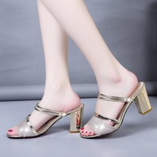 2018夏季新款凉鞋女鞋露趾方跟套脚PU水钻高跟鞋 质量保证
