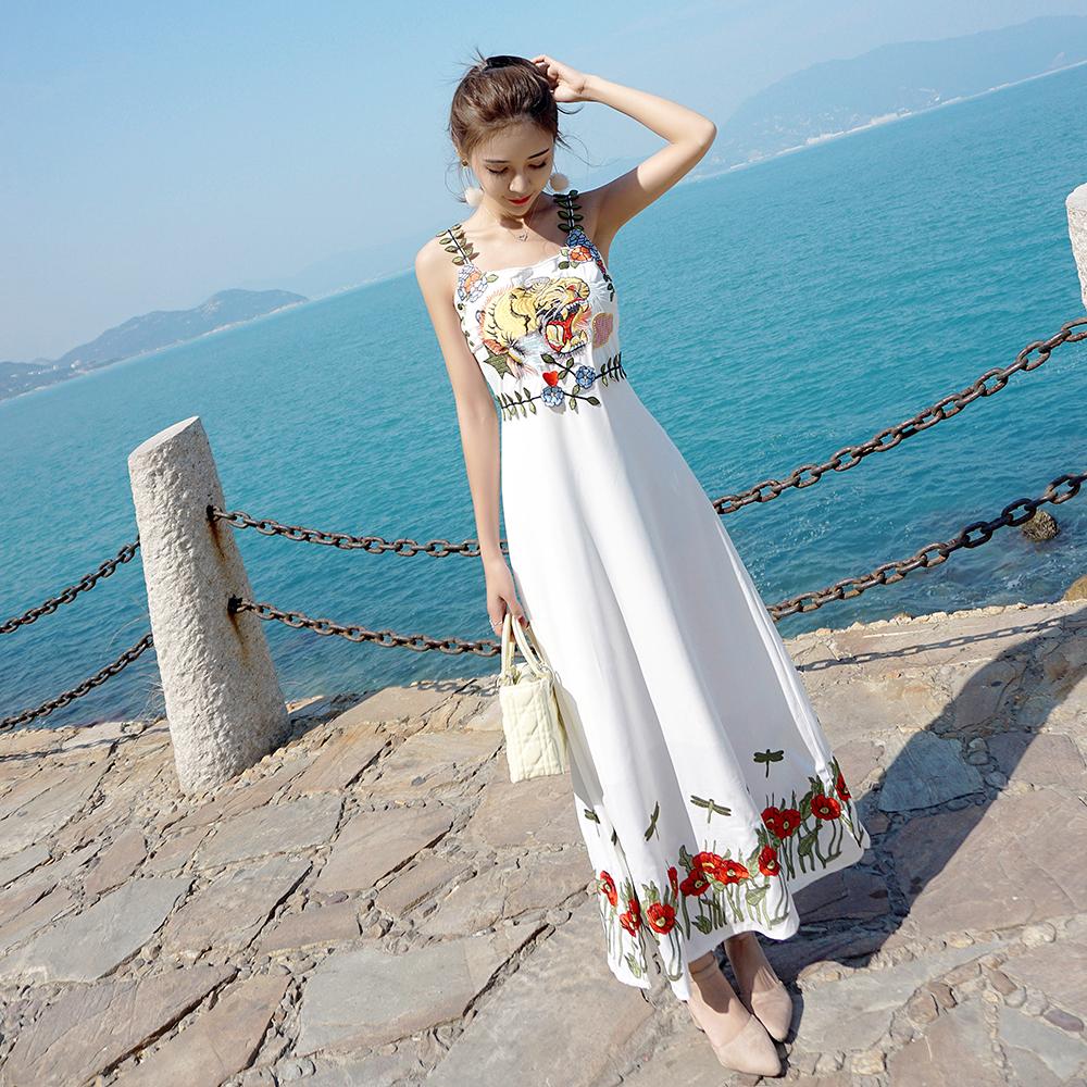 小心机超仙刺绣吊带裙显瘦雪纺连衣裙海边度假沙滩裙长裙