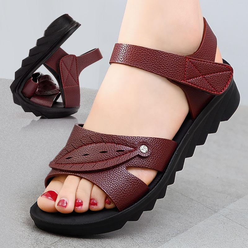 女鞋2019夏季新款涼鞋女平底平跟舒適軟底中老年人媽媽涼拖鞋