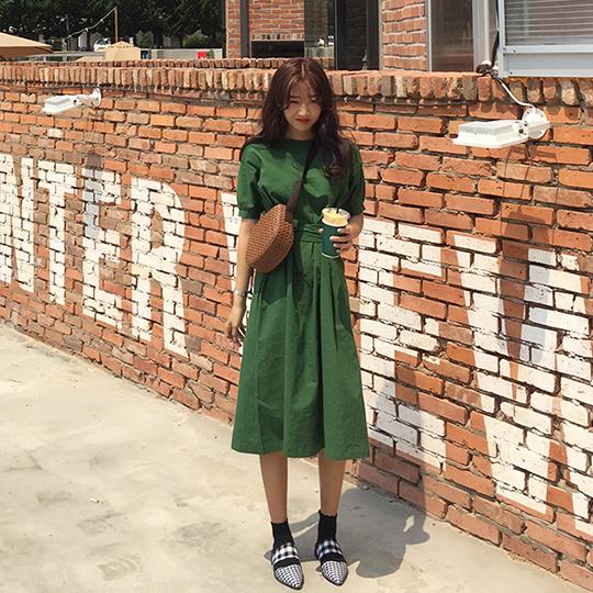 9593#2018夏新款韩系 chic 前后两穿 设计款系带束腰 连衣裙两色