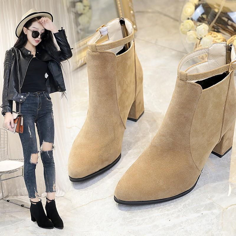 18 Châu Âu phiên bản mới cao gót Martin khởi động khởi động của phụ nữ khởi động ngắn ống ngắn giản dị matte chỉ dày với giày của phụ nữ màu rắn hoang dã