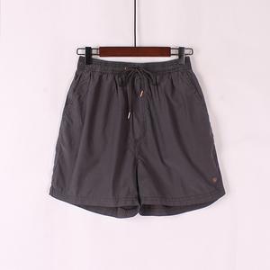 Mùa hè sản phẩm mới lỏng thời trang quần short giản dị đơn giản vài thể thao năm quần đàn hồi eo đẹp trai bãi biển quần