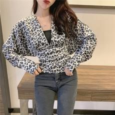 实拍实价韩版chic豹纹女人味身V领收腰蝙蝠袖后背开叉长袖女上衣