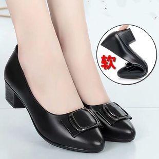 2020年春秋季新款中年女鞋软皮软底舒适防滑中跟单鞋妈妈鞋皮鞋女