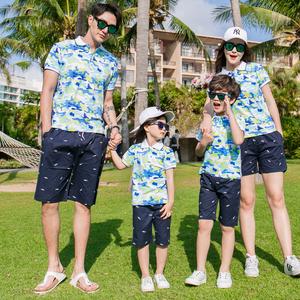 Bãi biển cha mẹ và con mặc quần áo mùa hè Mẹ và con mẹ và gia đình gia đình của ba áo ve áo ngụy trang gia đình bốn người - Trang phục dành cho cha mẹ và con