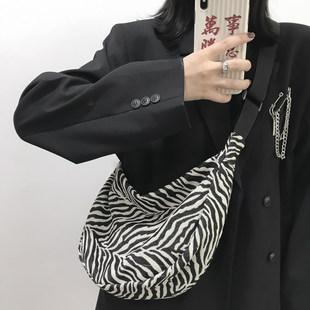 Мешки Женское лето 2021 новый прилив сумка Женский дикий ins большой потенциал плечо холст зебра пельмени пакет