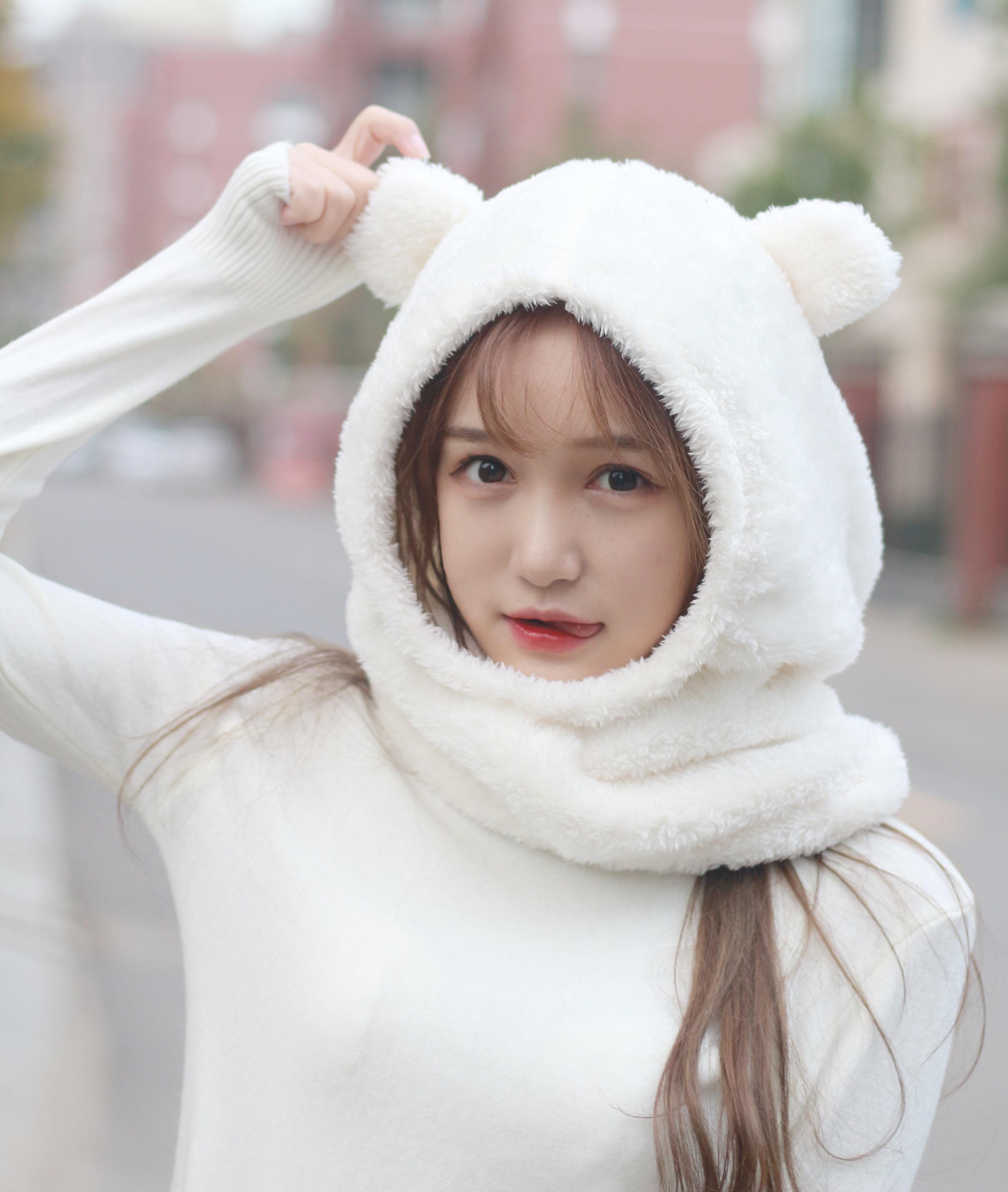 实拍   秋冬毛绒绒熊耳帽可爱男女通用羊毛羔保暖帽子围巾一体