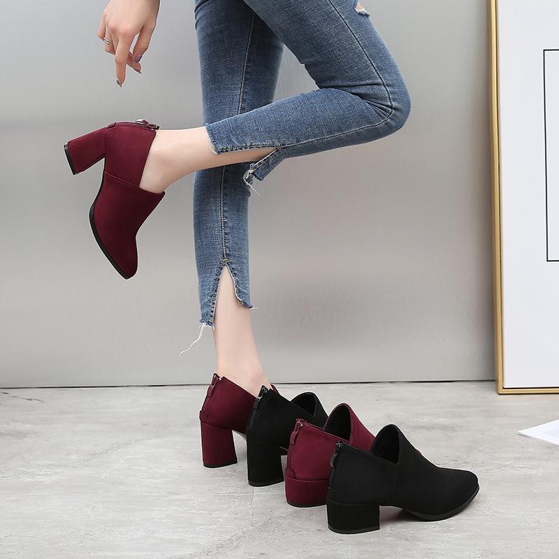 粗跟单鞋女2018新款秋冬季百搭深口中跟尖头鞋韩版平底鞋大码女鞋
