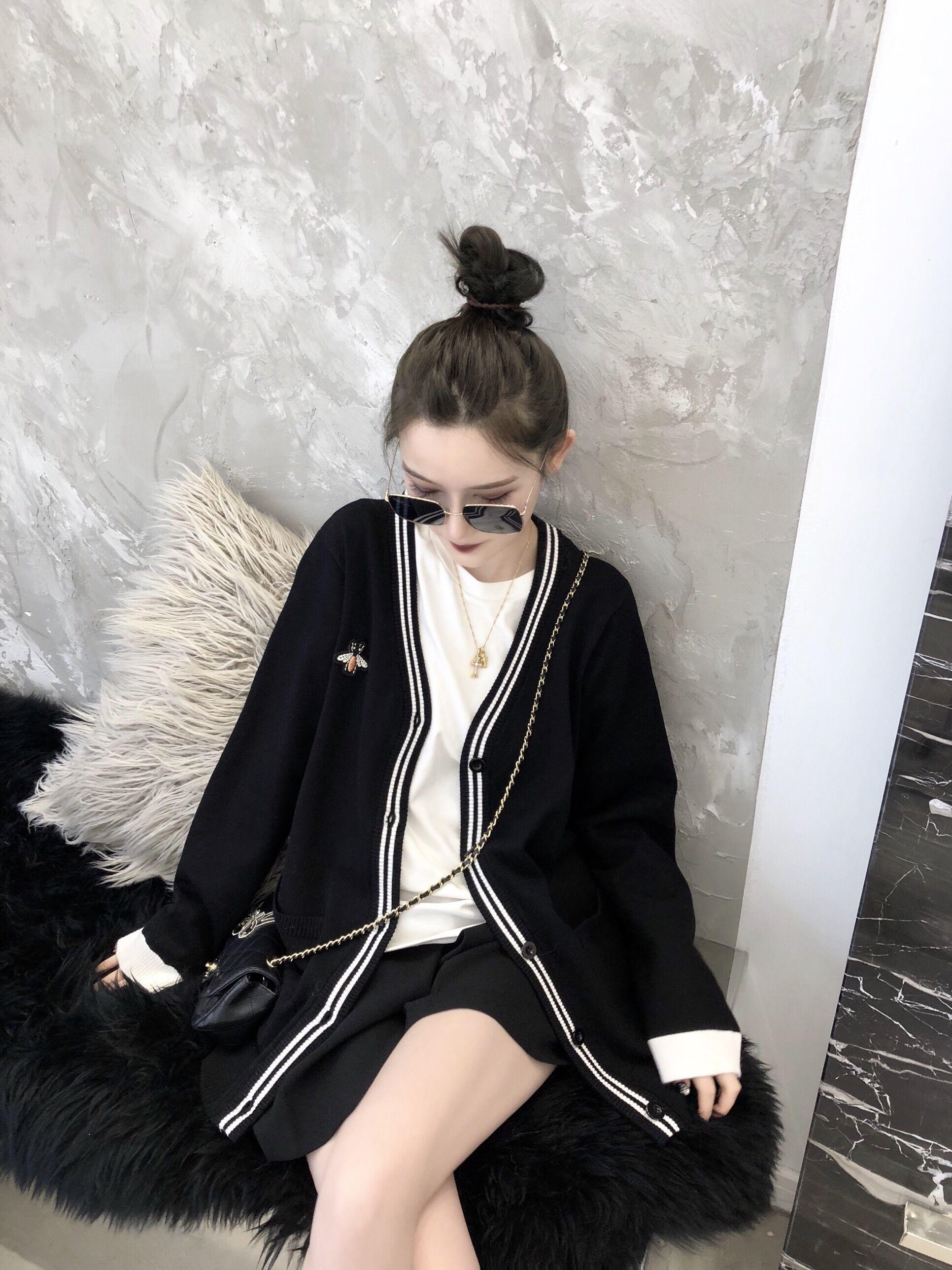 CHICYOU bee màu đen và trắng hai màu cao đẳng gió hoang dã len kết cấu tốt áo len đan áo khoác cardigan