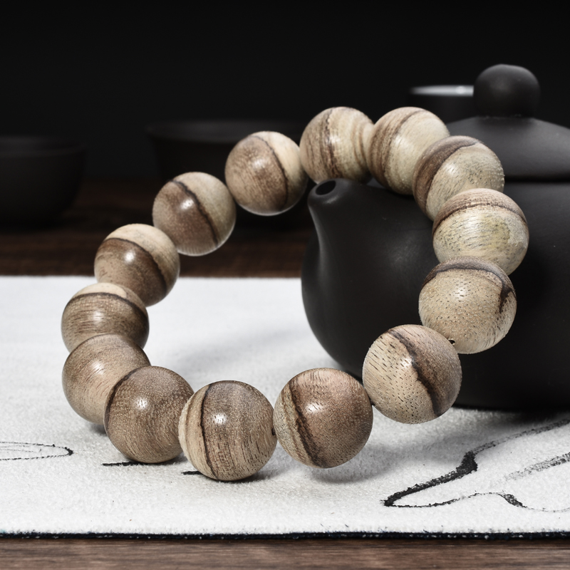 Indonesia mud horse waterlogging natural aloes handheld hand string beads 16 mm tiger stripes men and women with the old material aloes bracelet fidelity