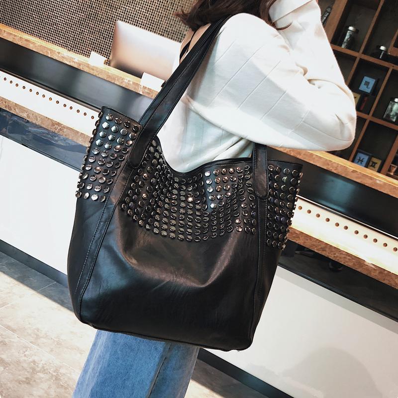 cf67d3442e75 Гавань Ветров большие сумки 2019 зима Новый женская сумка европейской и американской  моды заклепки сумка повседневная простой Tote сумка