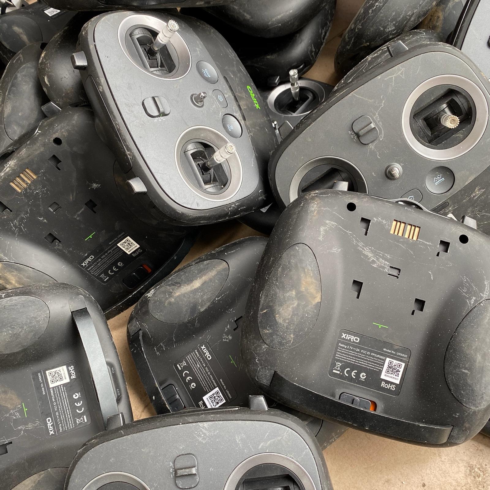 【航模遥控器】四轴无人机遥控器 带双轴承摇杯 主板 电池 研究品 零度智能飞行器XIRO遥控器不包好坏价格低至25元