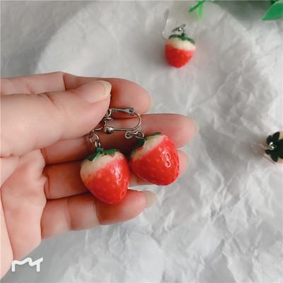 【未莱星】可爱草莓耳环气质韩国个性百搭简约清新无耳洞纯银耳钉