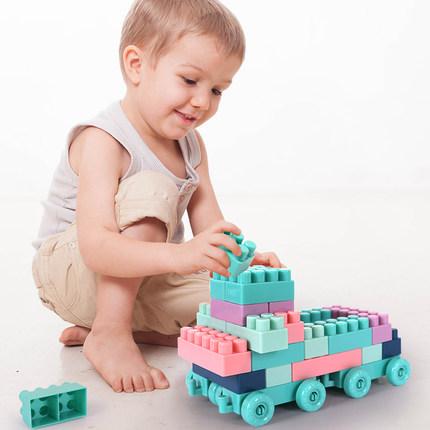 大颗粒儿童塑料拼插积木3-6周岁男孩益智力开发玩具女孩快乐拼装