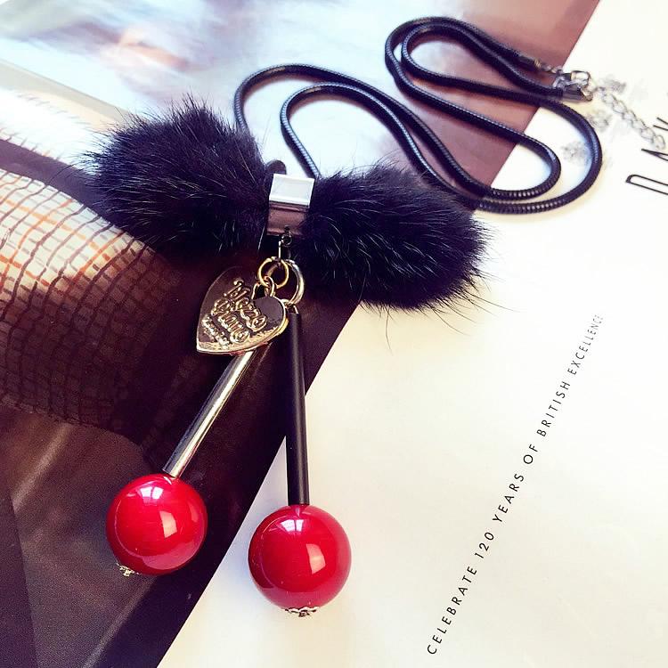时尚百搭毛毛球红色樱桃毛衣链挂件长款项链女秋冬配饰品