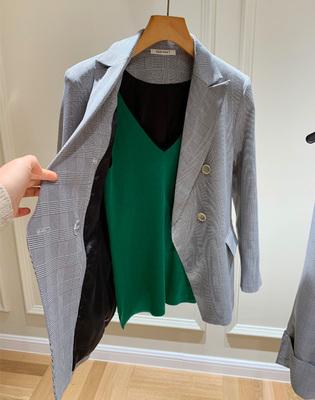 称ba时尚界了!英式贵族气息,chao显瘦格纹西装外套+珠链西装裤