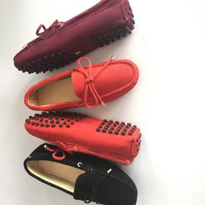 Phụ nữ da hoàn hảo của giày cung peas giày thấp để giúp thoải mái giản dị thịt bò gân nữ tay khâu giày lười
