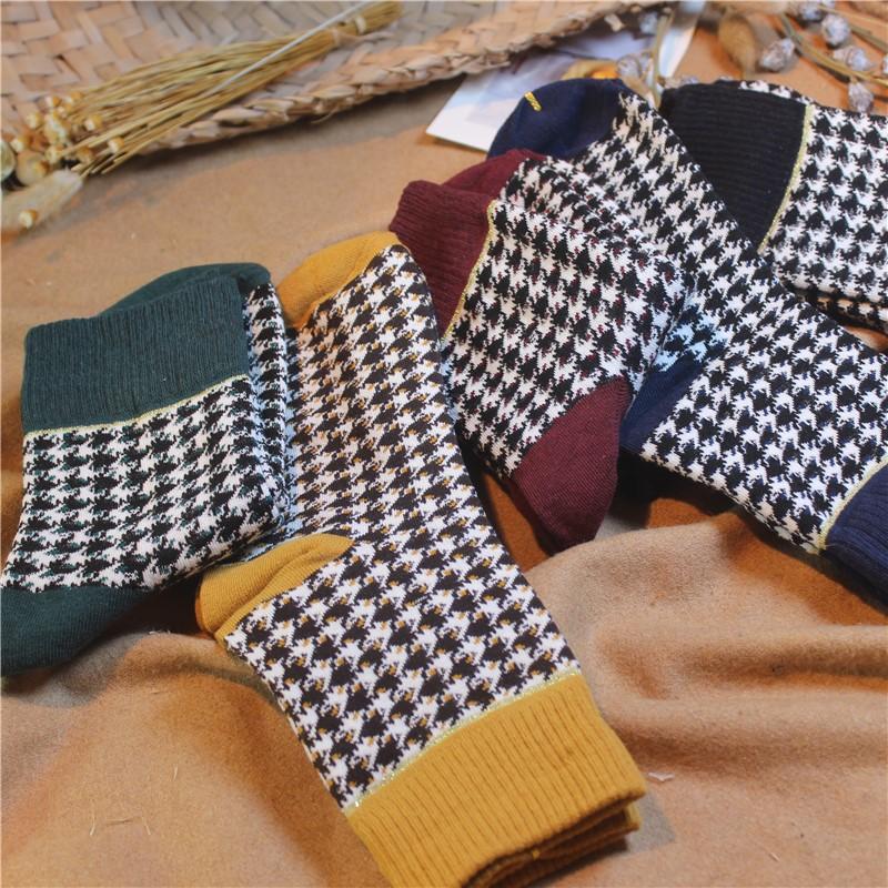 Mùa thu và mùa đông Nhật Bản xu hướng văn học nữ vớ cotton retro ống vớ Mori houndstooth stocking thời trang cotton vớ nữ - Vớ bông
