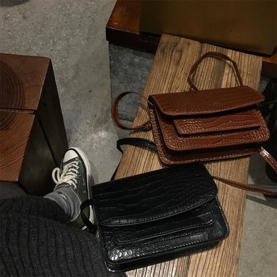 女包新款斜挎小方包网红小黑包质感百搭ins女式斜跨小包气质