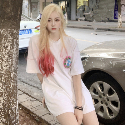 taobao agent Net red wig Europe and the United States INS wind platinum light pink realistic mid-point wig female long curly natural romantic salt sweet