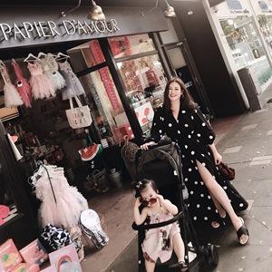 Deessesicile5 29 sản phẩm mới thanh lịch kỳ nghỉ màu đen sóng cao khe đầm đầm