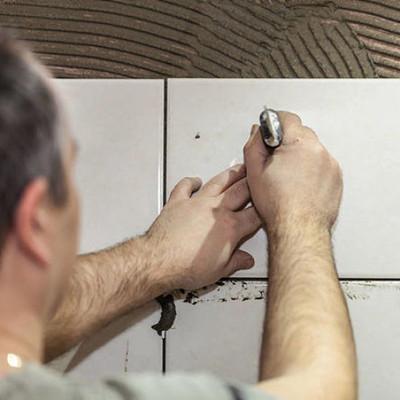 成都装修贴砖师傅怎么算的价格?