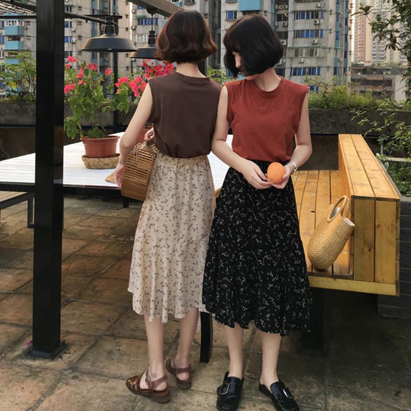 2018 mùa hè mới Hàn Quốc chữ thêu lỏng tay T-Shirt + cao eo hoang dã váy hoa phù hợp với phụ nữ