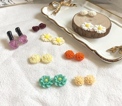 新款气质亚克力花朵耳钉泫雅风彩色塑料小花耳钉春季仙气耳钉饰品