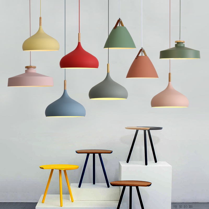 北欧ins网红灯具客厅餐厅简约现代LED灯创意床头灯彩色马卡龙吊灯