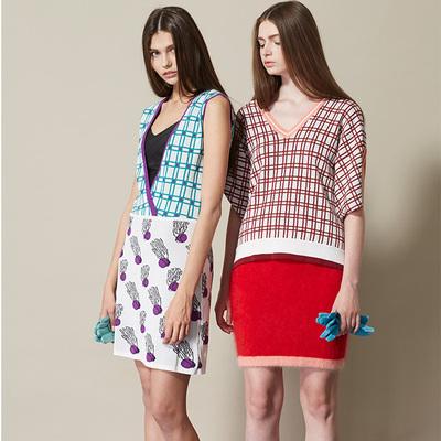 独立设计师品牌LOU DE NANNAN 大V领粉格子提花针织毛衣女