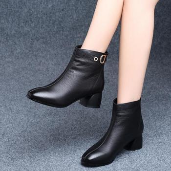 网红短靴女冬季粗跟加绒保暖时尚马丁靴