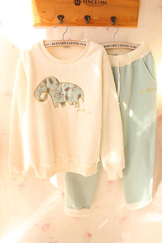 秋冬新款保暖加厚长袖卡通小象女珊瑚绒睡衣家居服套装宽松可外穿