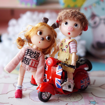 taobao agent ob11 Meijie pig 8 minutes 12 minutes bjd baby with shooting props confused doll mini motorcycle little sheep